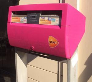roze-brievenbus